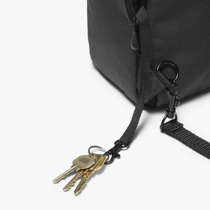 Side Key Leash - Edgemont - 600D Recycled Poly - Onyx - Backpack - Lo & Sons