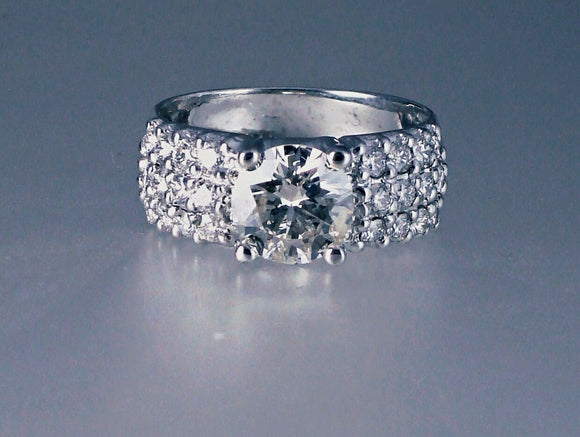 Amazing Diamond wedding ring