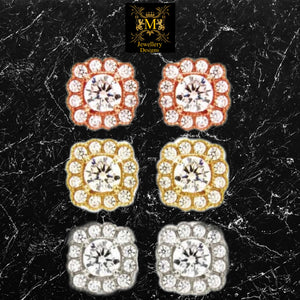 Detailed gold Earrings the royal collection
