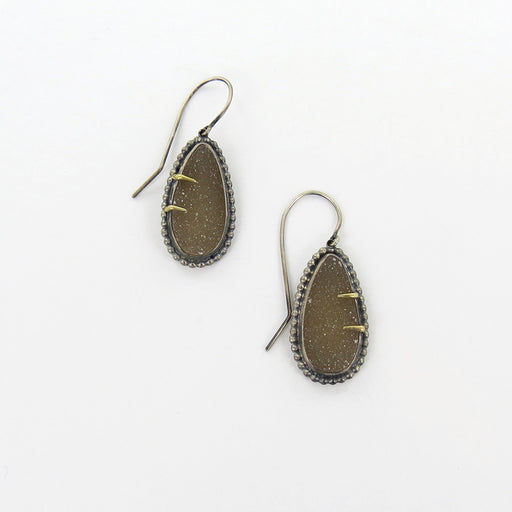 DRUZY GOLD PRONGED EARRINGS