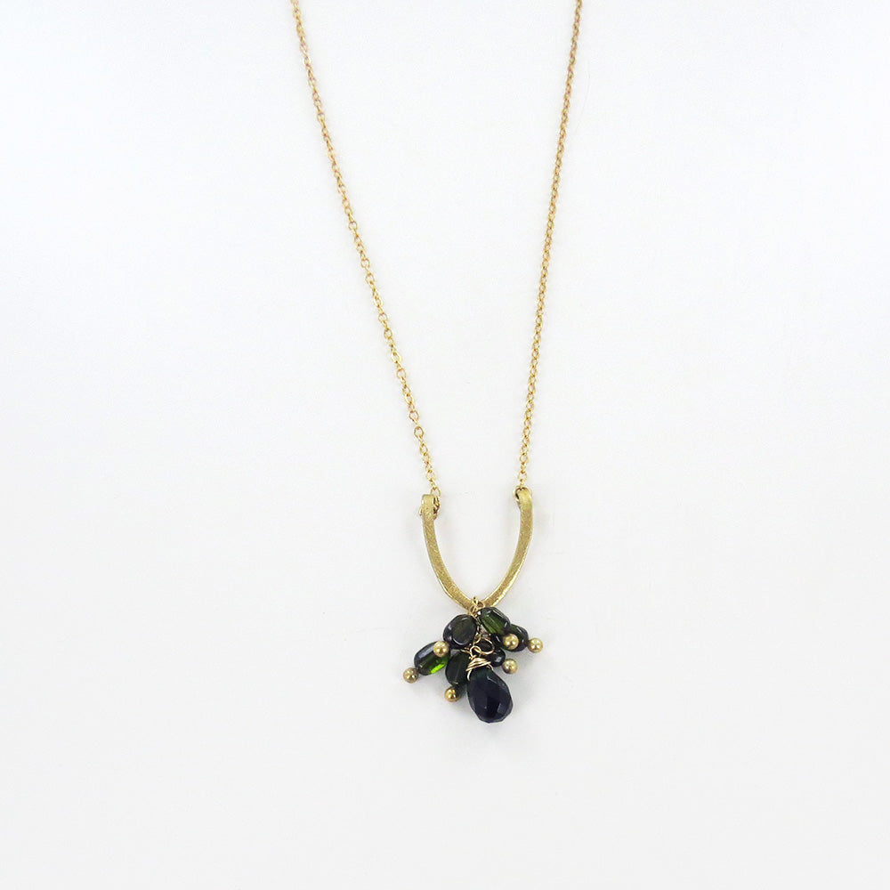 HORSESHOE DARK GREEN CRYSTALS CLUSTER NECKLACE