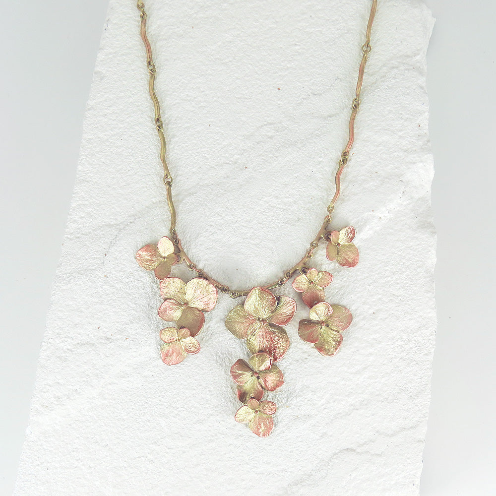 HYDREANGEA NECKLACE