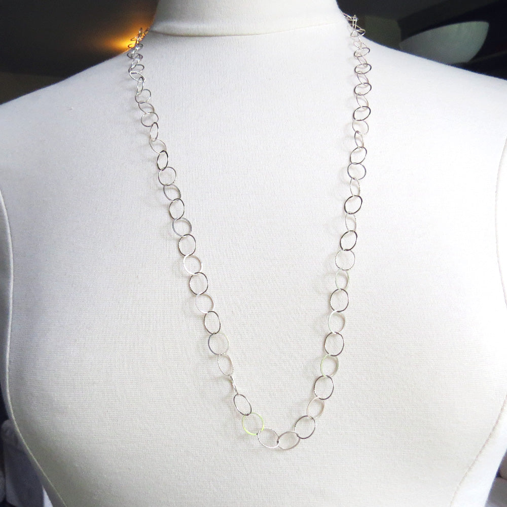 TEXTURED CHAIN NECKLACE
