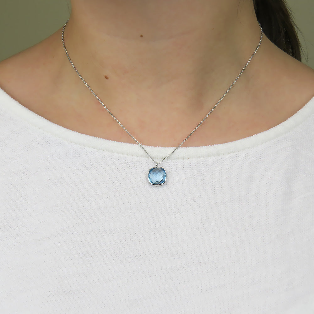 WHITE GOLD AND LIGHT BLUE TOPAZ NECKLACE