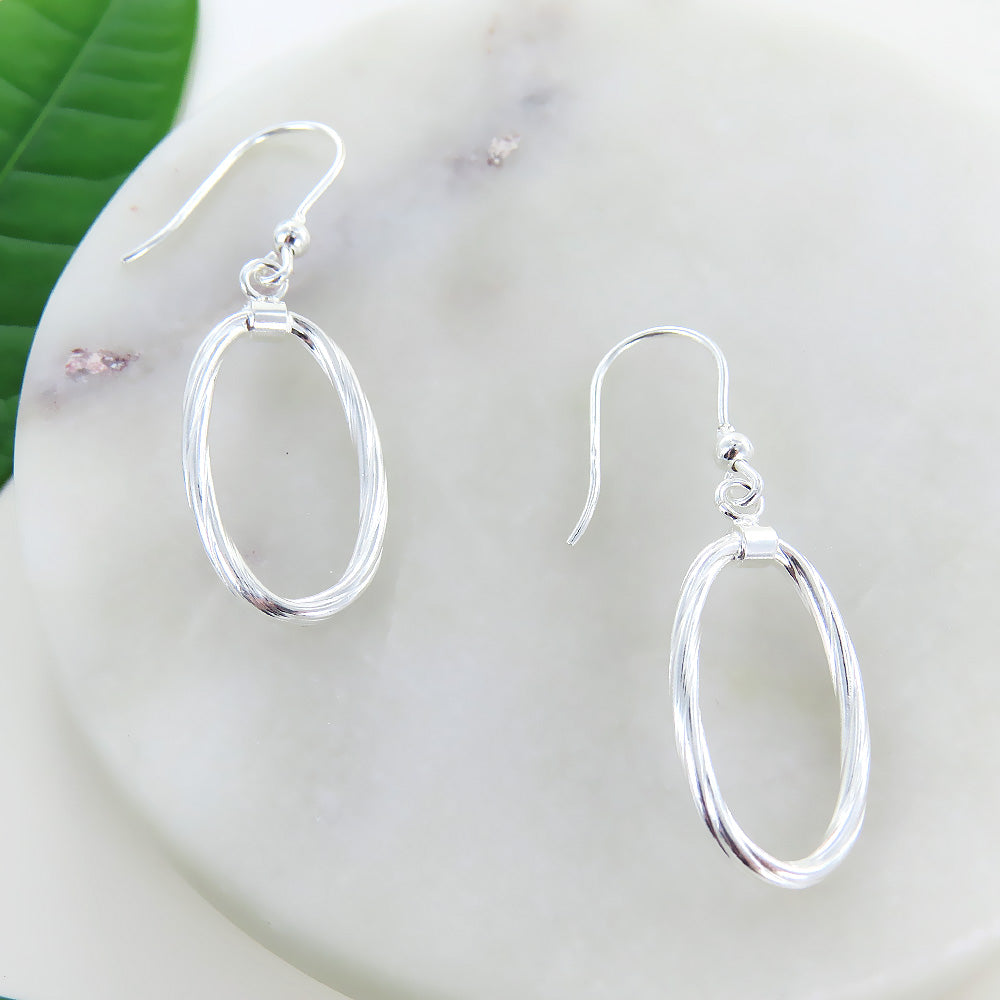 TWIST OVAL DROP EARRING