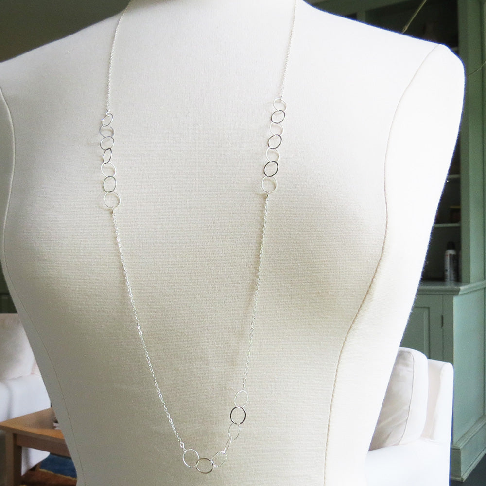 SILVER TRIPLE LOOP CHAIN NECKLACE
