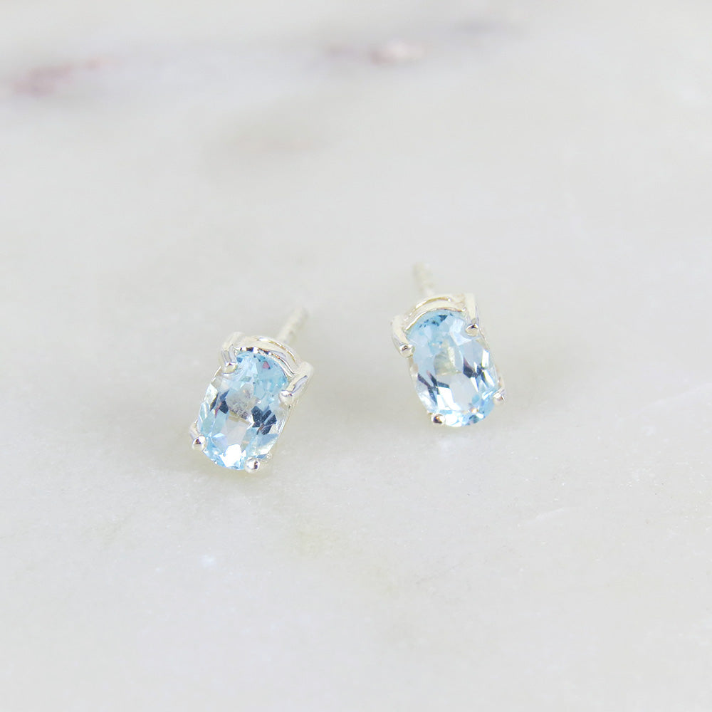 BLUE TOPAZ OVAL POST