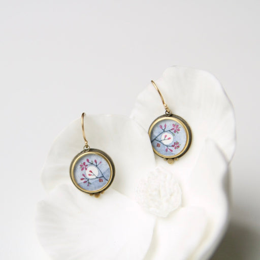 Small Round Plum Blossom With Moon Paining Earring