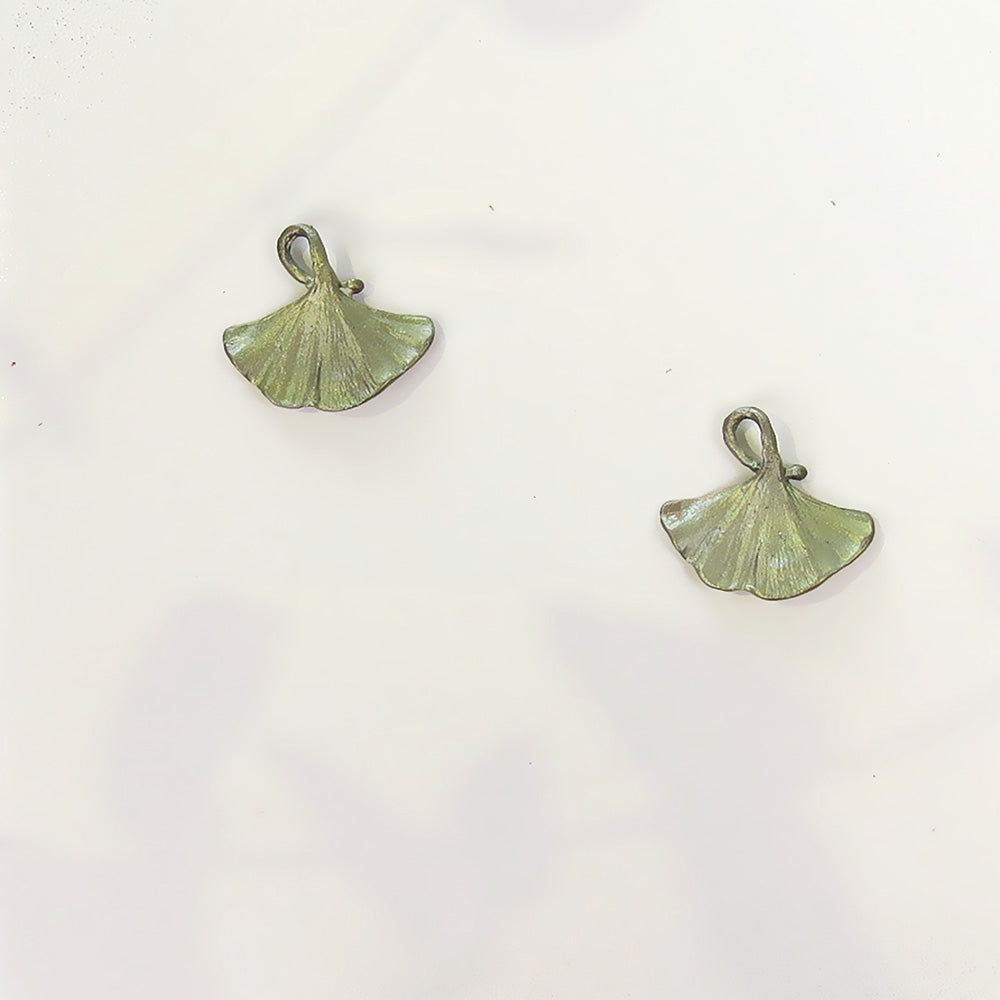 GINGKO TAILORED POST EARRING