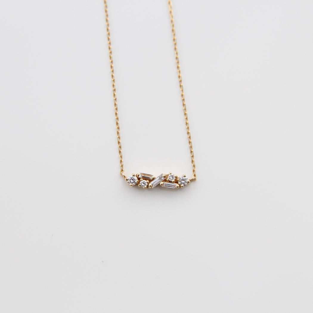 18k Gold Delicate Dimond Fireworks Necklace