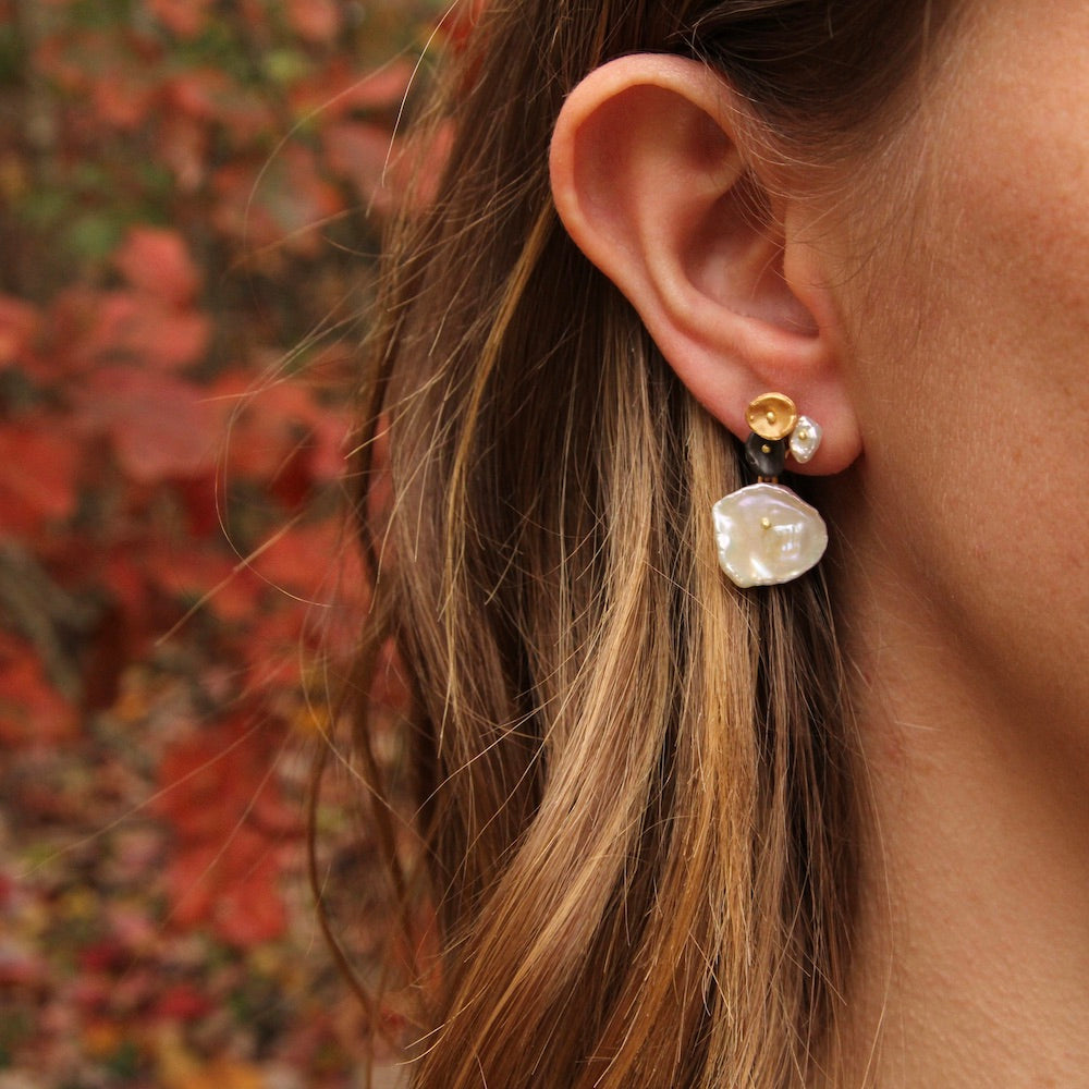 RIVER PEBBLE POST EARRING