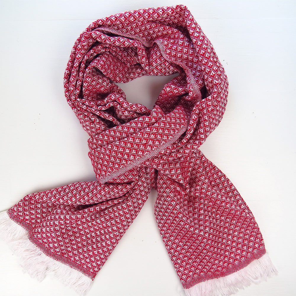 DIAMOND FLOWER CASHMERE SCARF IN RED
