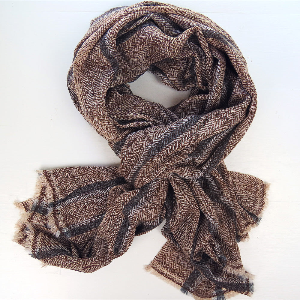 CASHMERE SHAWL IN BROWN HERRINGBONE