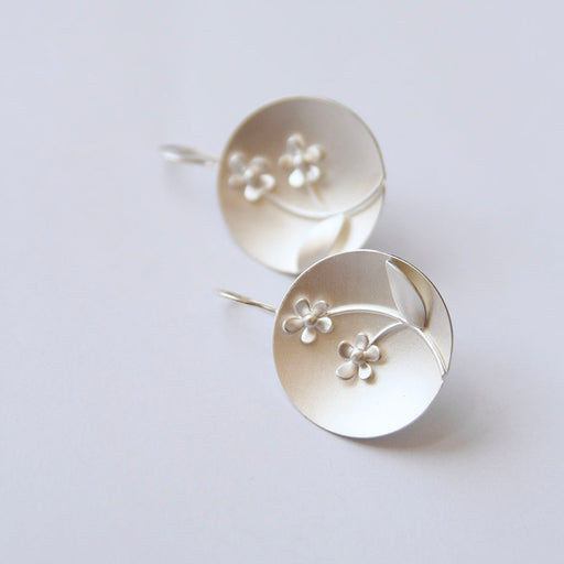 Forget Me Knot Disk Earring