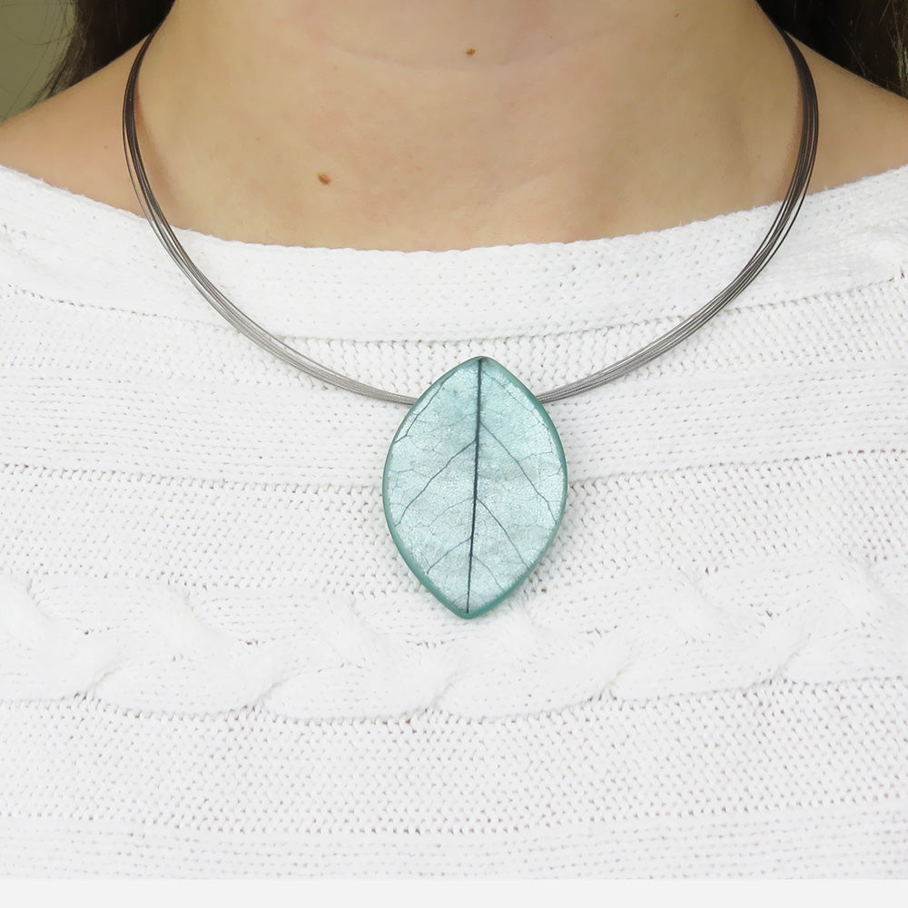 JADE SKELETON LEAF PENDANT