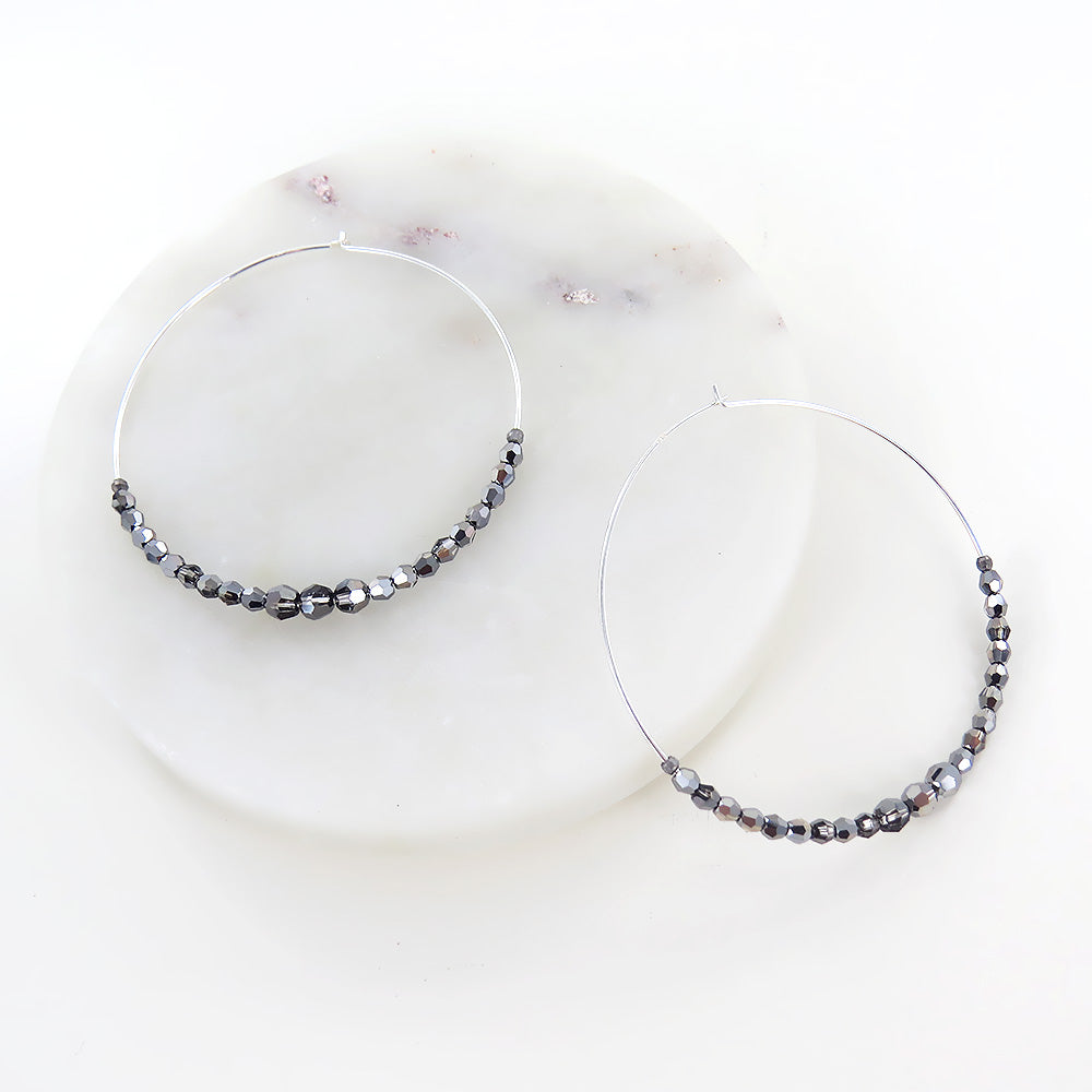 SLIVER NIGHT HOOP EARRING