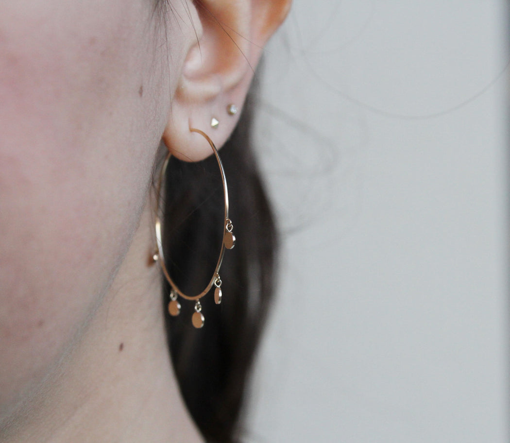 14K MEDIUM HOOPS WITH 5 DANGLING ITTY BITTY DISCS