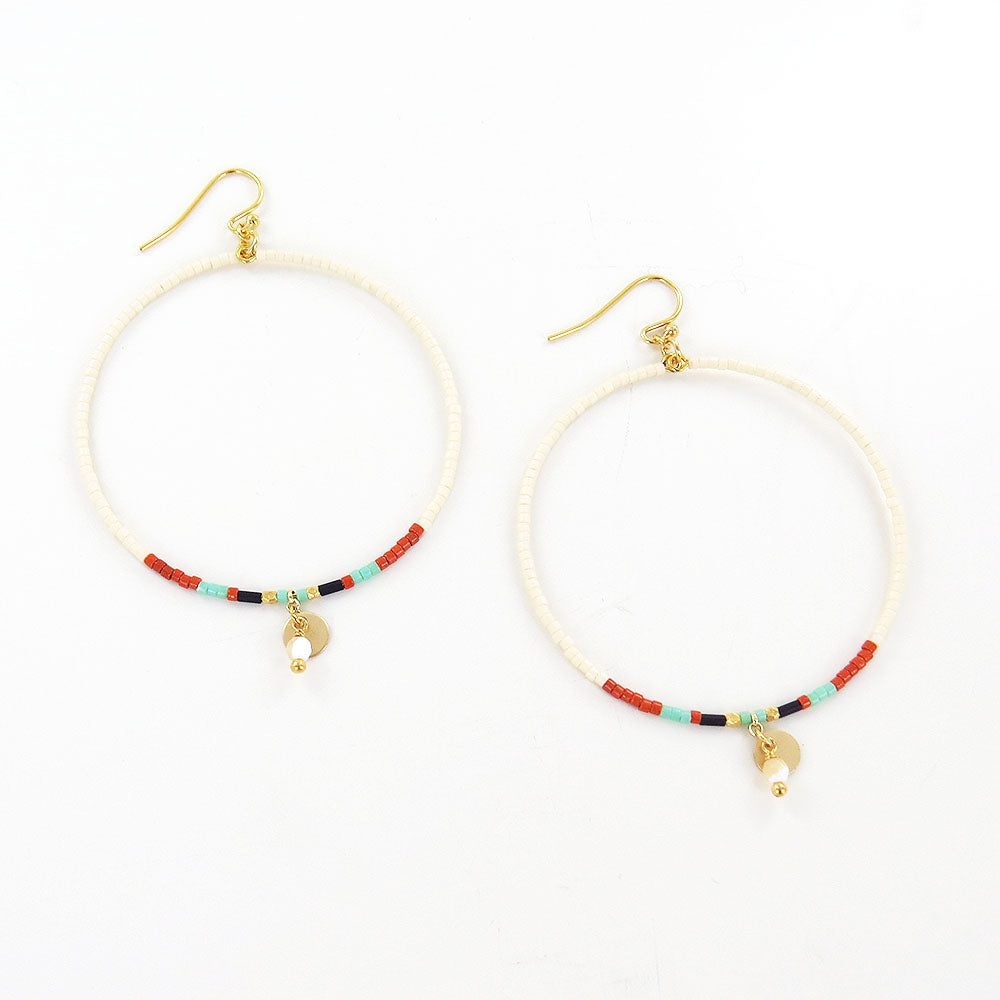CREAM MIX SEED BEAD HOOP EARRINGS
