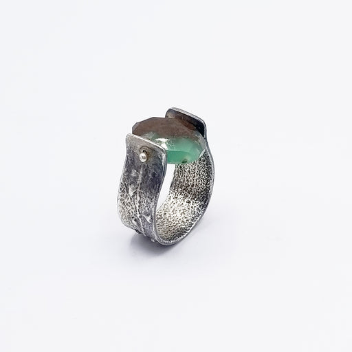 STERLING SILVER BAND WITH CHRYSOPHASE