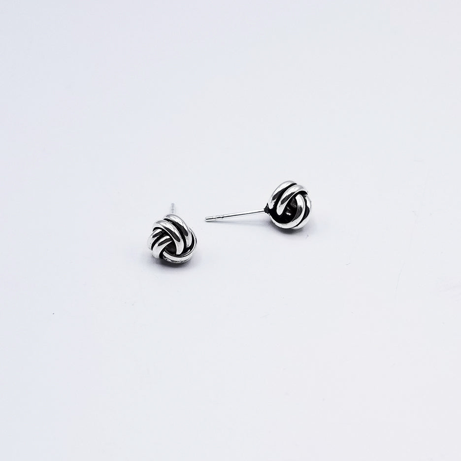 8mm OXIDIZED STERLING SILVER KNOT