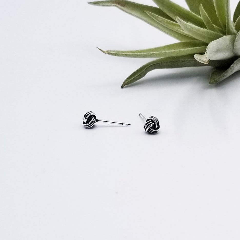 6mm OXIDIZED STERLING SILVER KNOT