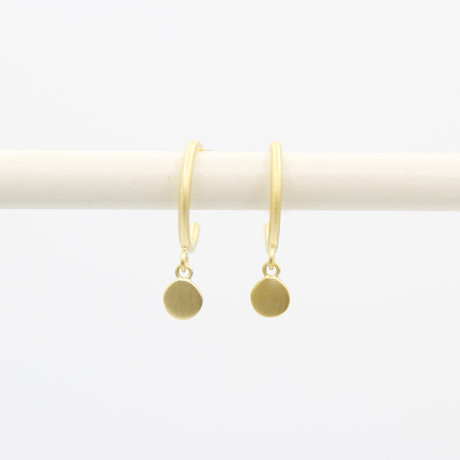 BRUSHED GOLD VERMEIL HOOP WITH HANGING DISC