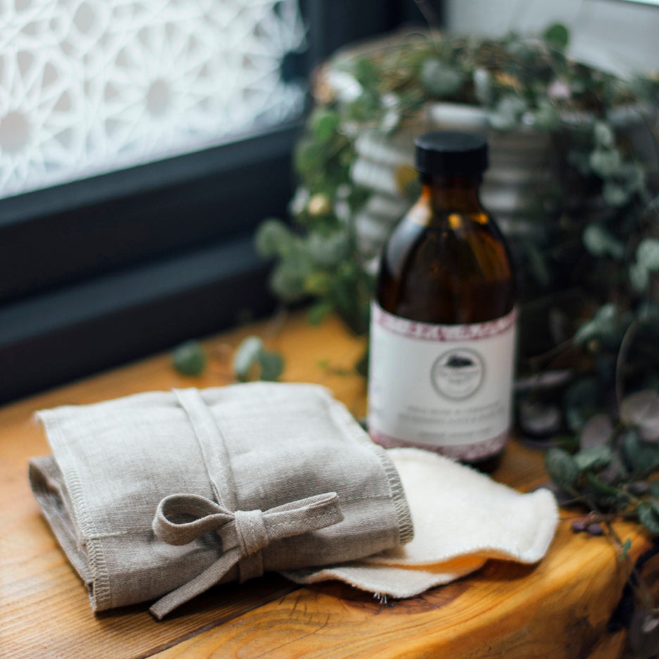 NATURAL LINEN AND REUSABLE BAMBOO FACE CARE KIT