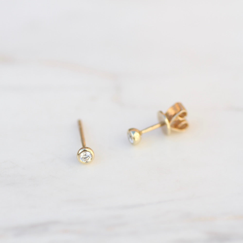 14K Gold Tiny Bezel Set Diamond Post Earring