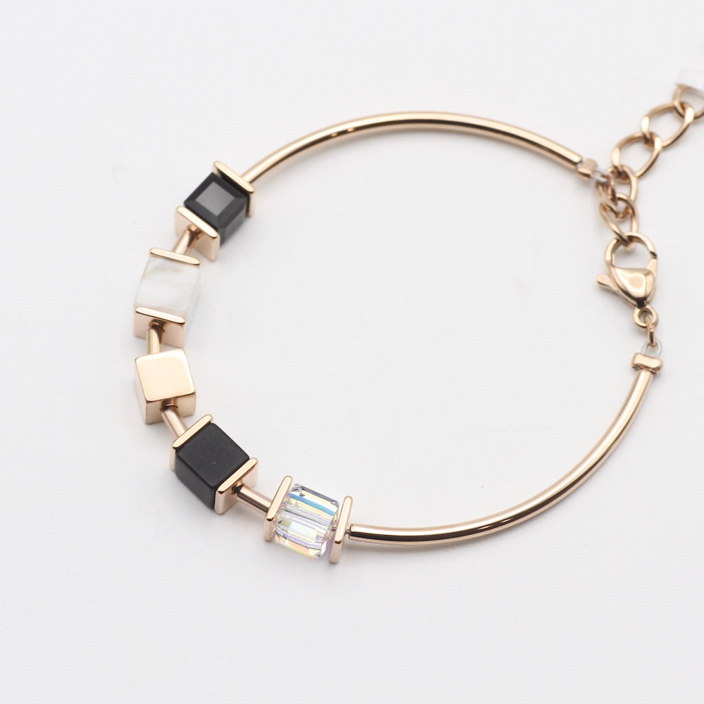 BLACK AND WHITE GEO CUBE BRACELET