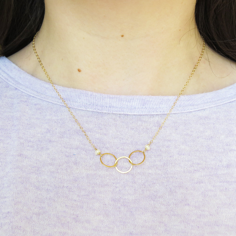 PEARL AND THREE LOOPED GOLD NECKLACE