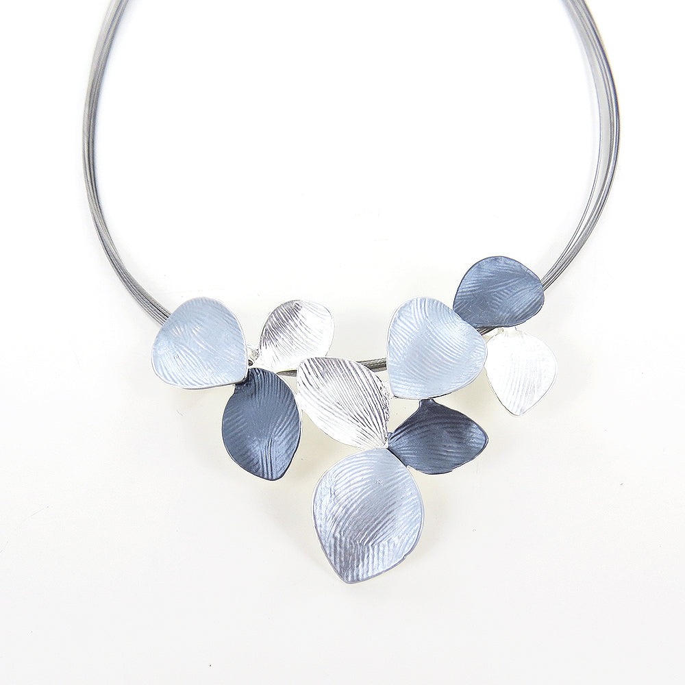 SILVER SHADES MULTI LILY NECKLACE