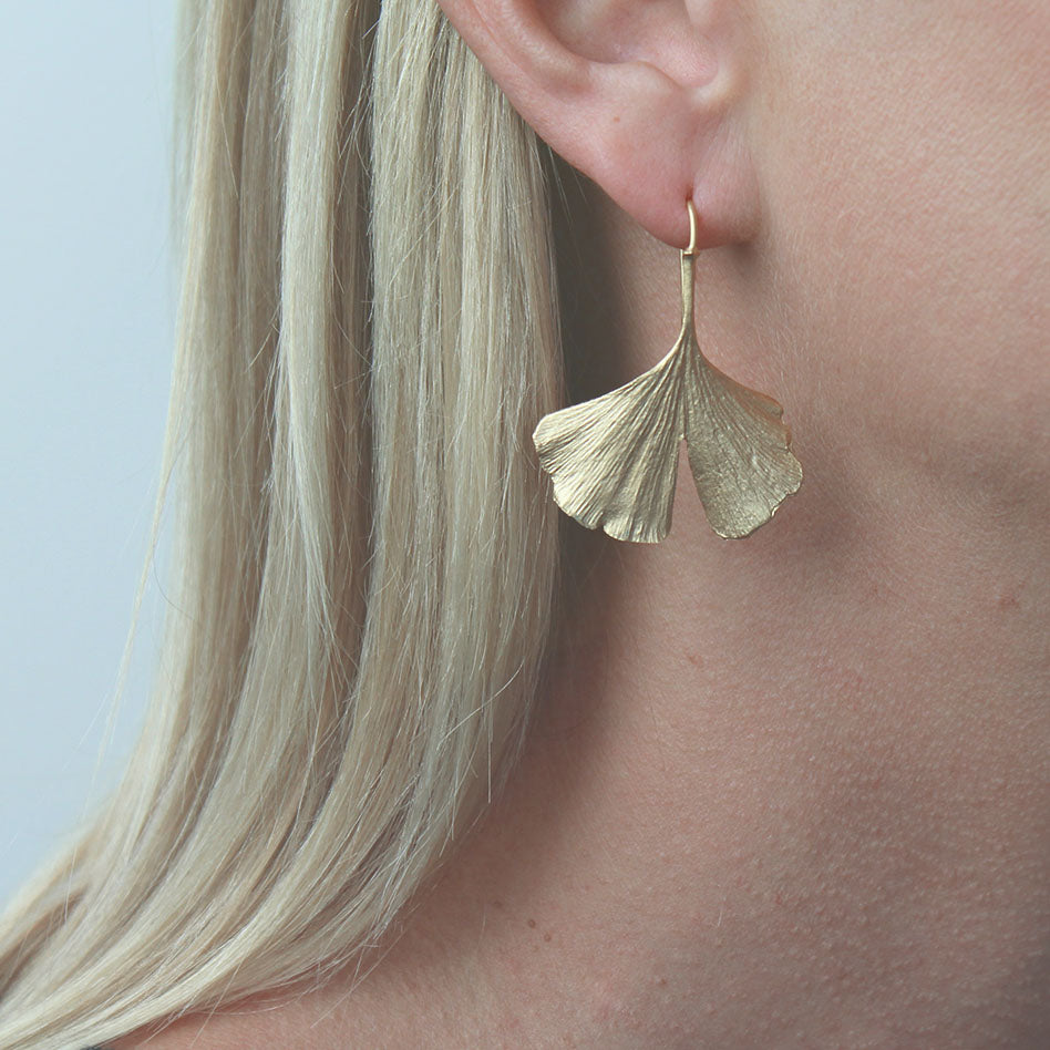 GOLD PATINA GINGKO EARRING