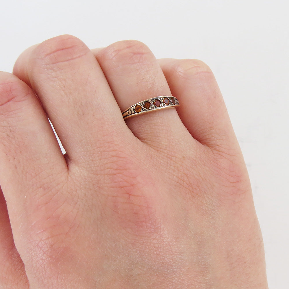 CITRINE WAIF STACKING RING
