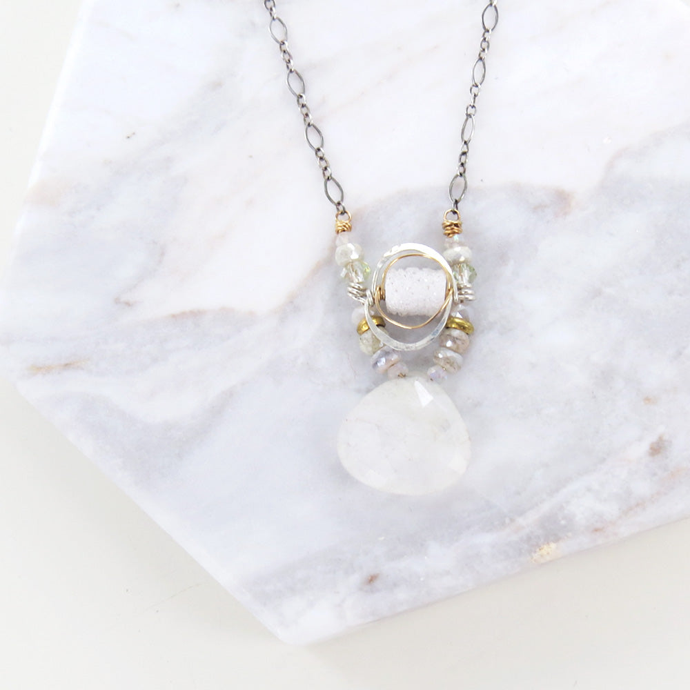 WHITE MIX NECKLACE