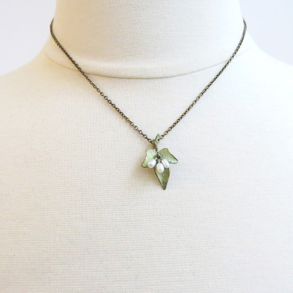 DAINTY IVY NECKLACE