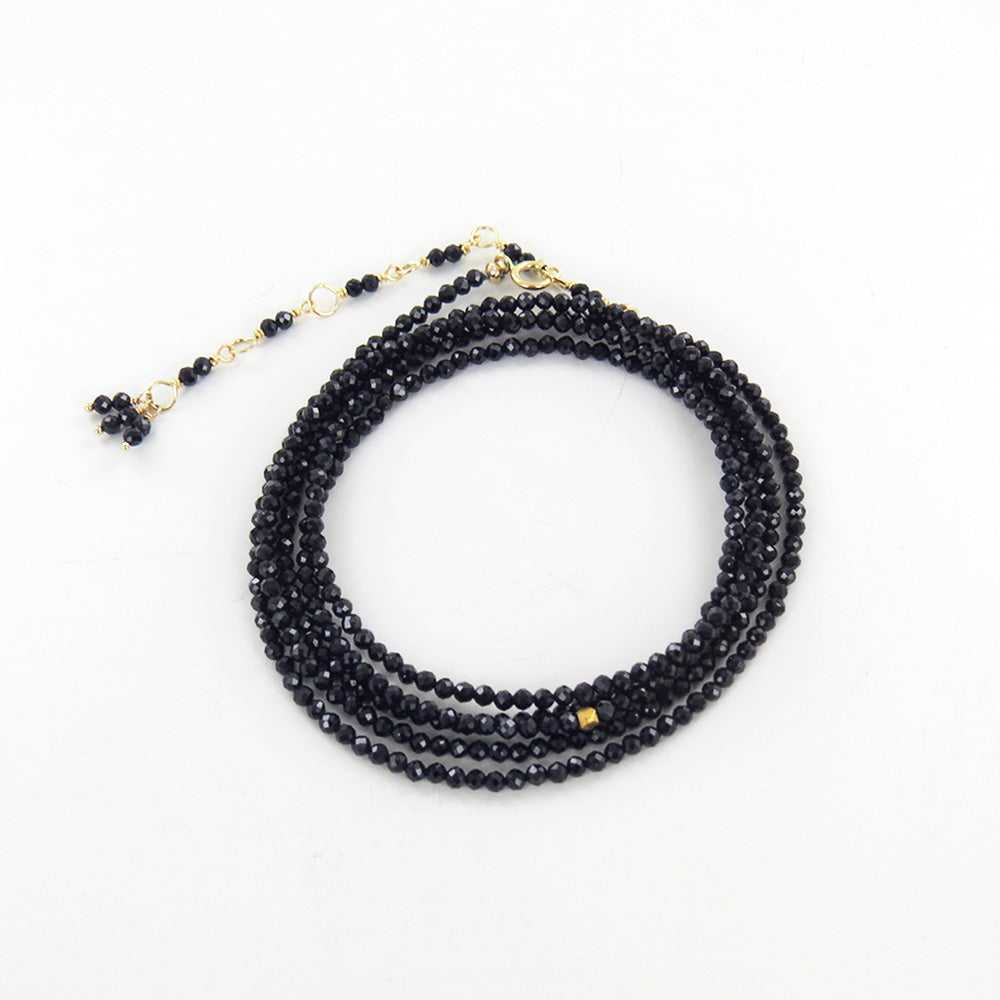 BLACK SPINEL WRAP