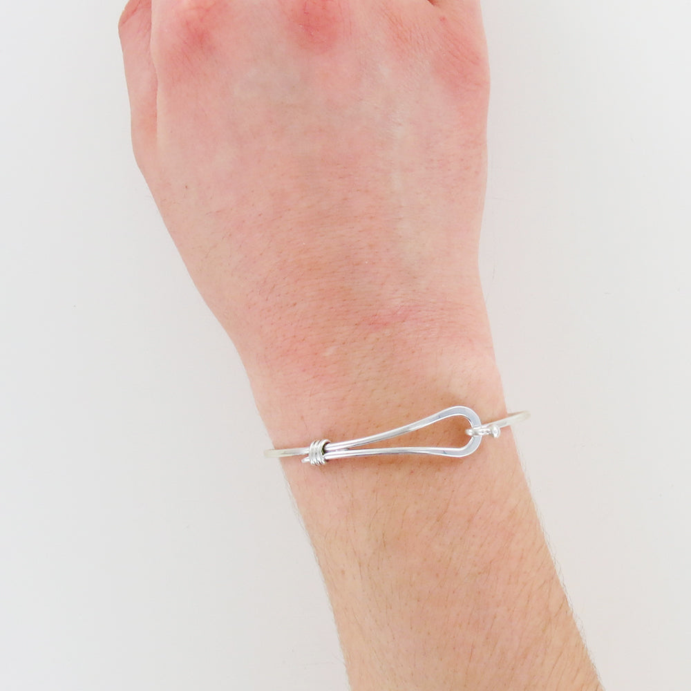 HOOK CLASP BANGLE