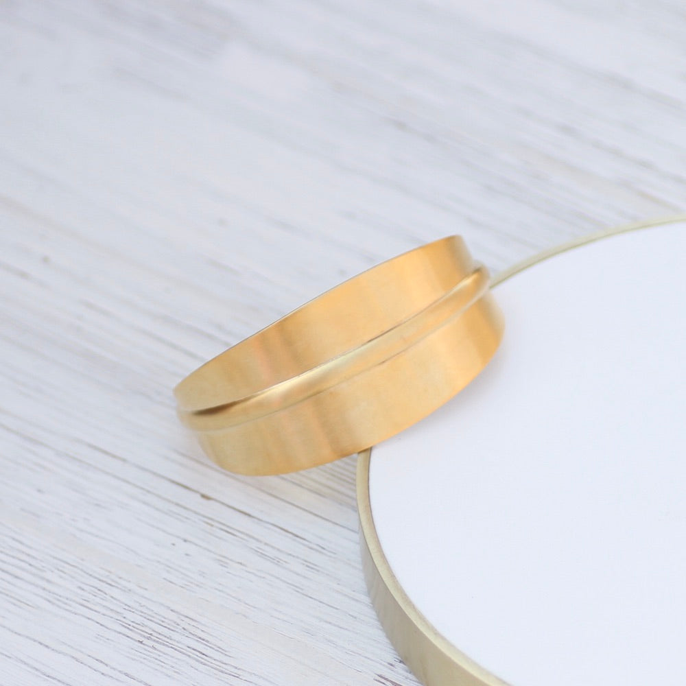 Large Center Rib Cuff - Gold Plated