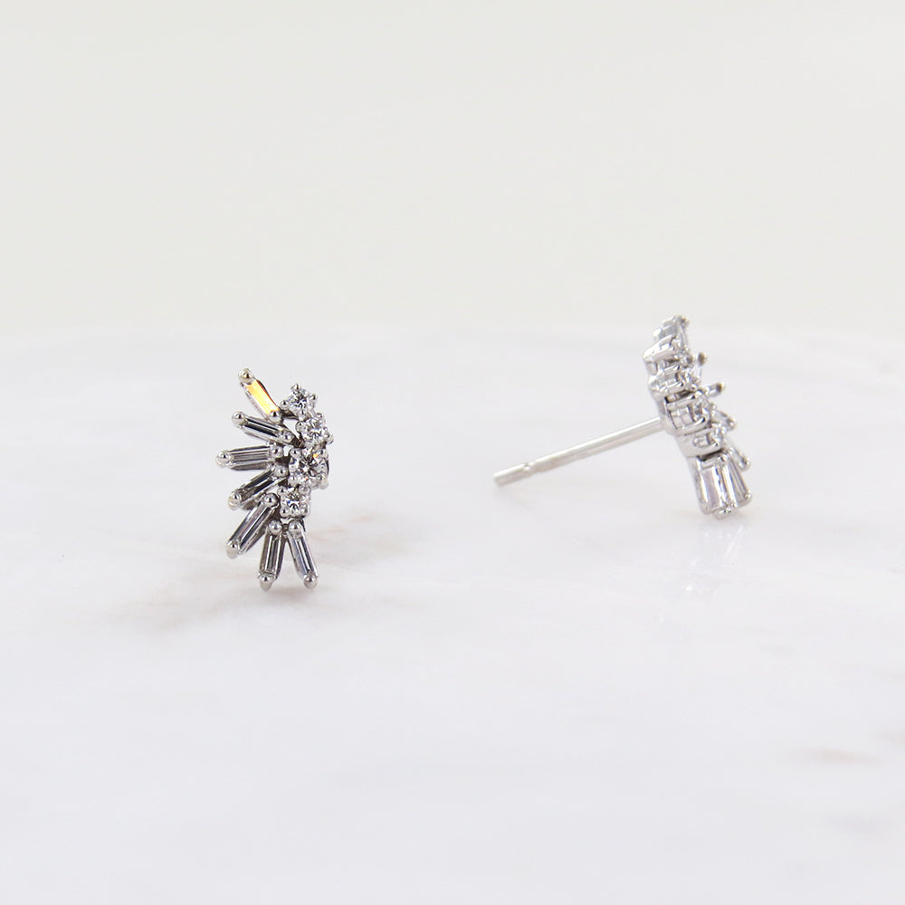 WHITE GOLD DIAMOND FAN EARRING