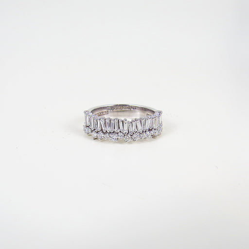 BOUBLE BAGUETTE AND ROUND DIAMOND BAND