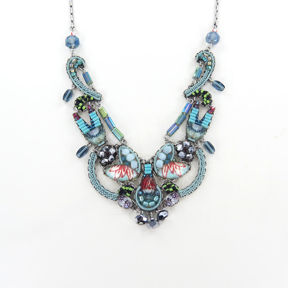 TAPESTRY DELIGHT NECKLACE