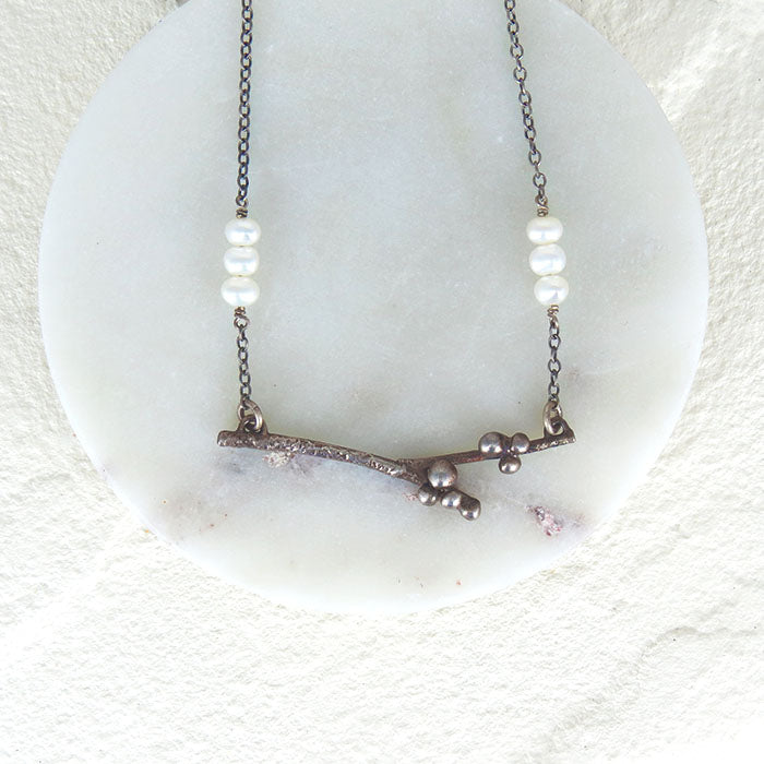 STERLING SILVER BRANCH WITH PEARL NEACKLACE