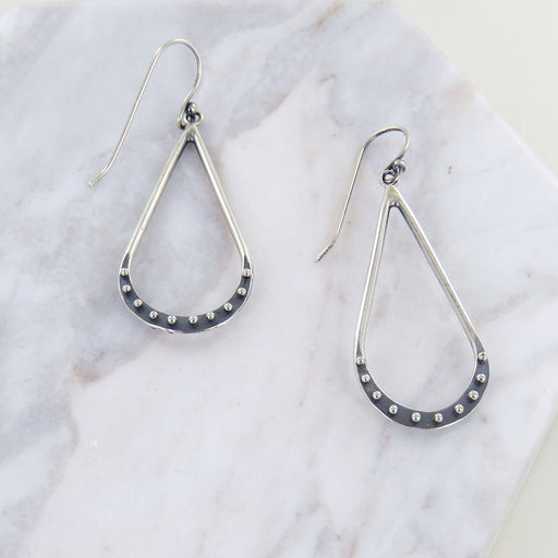SMALL DROPLET EARRINGS