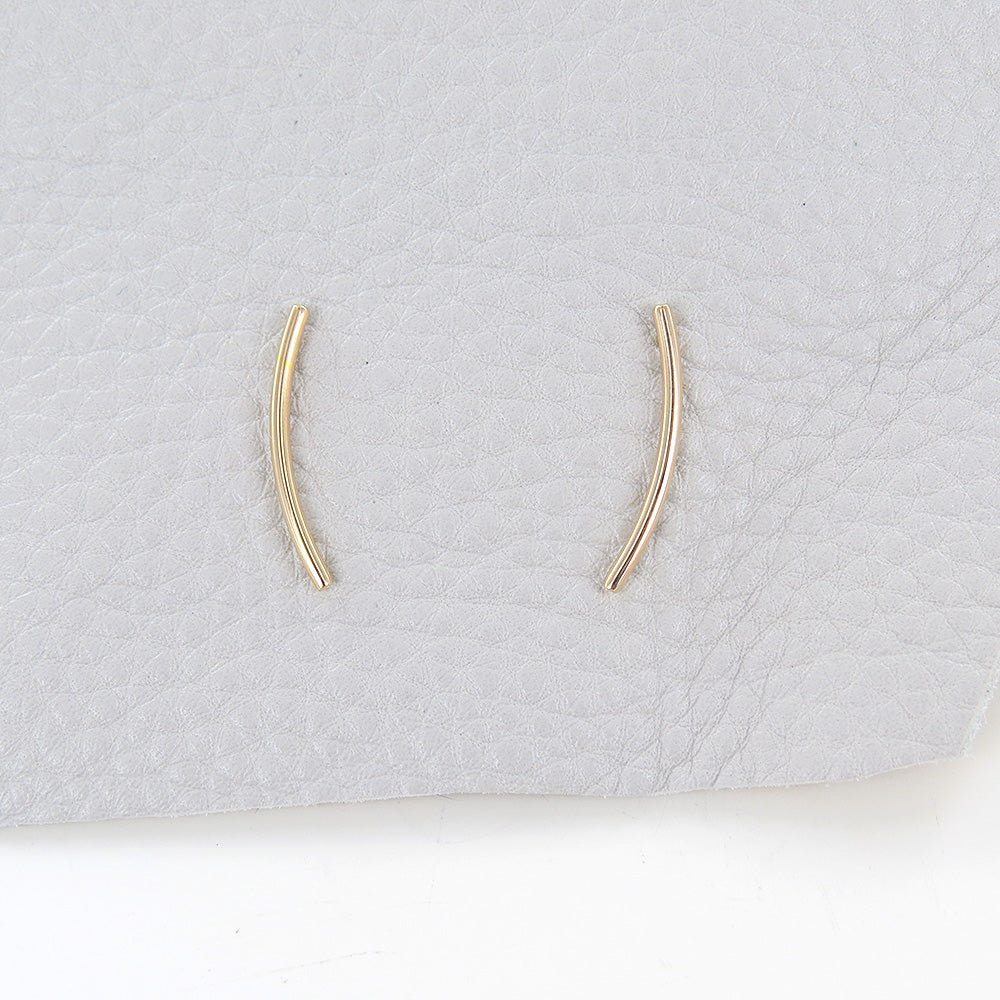 GOLD CURVED EAR CLIMBER STUD