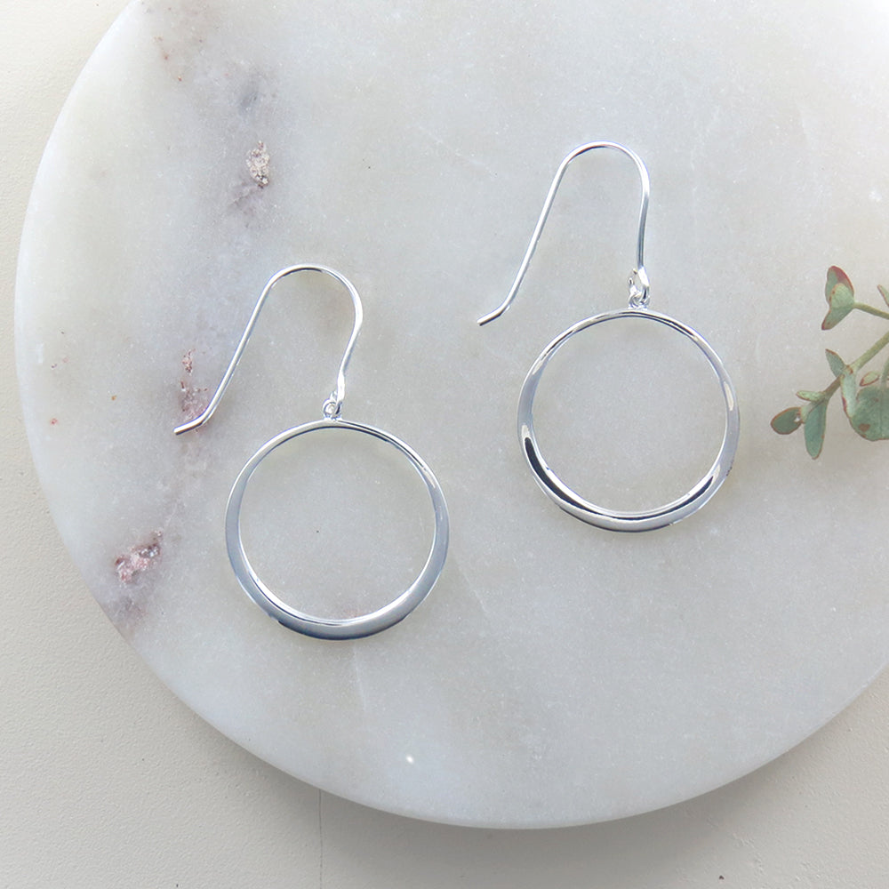 SILVER OPEN CIRCLE EARRING