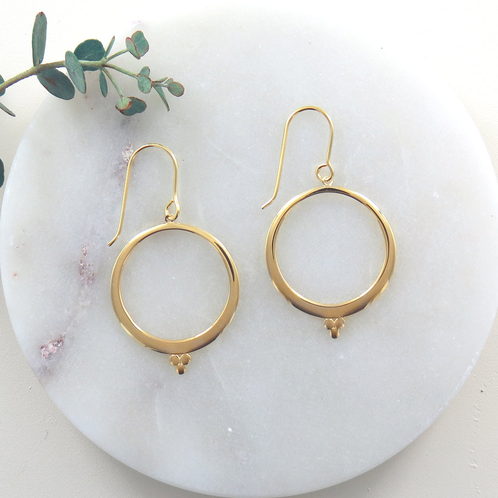 GOLD OPEN CIRCLE AND THREE DOTS EARRING