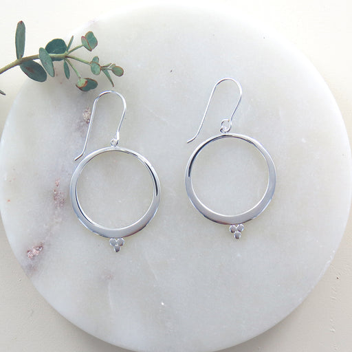 SILVER OPEN CIRCLE AND THREE DOTS EARRING