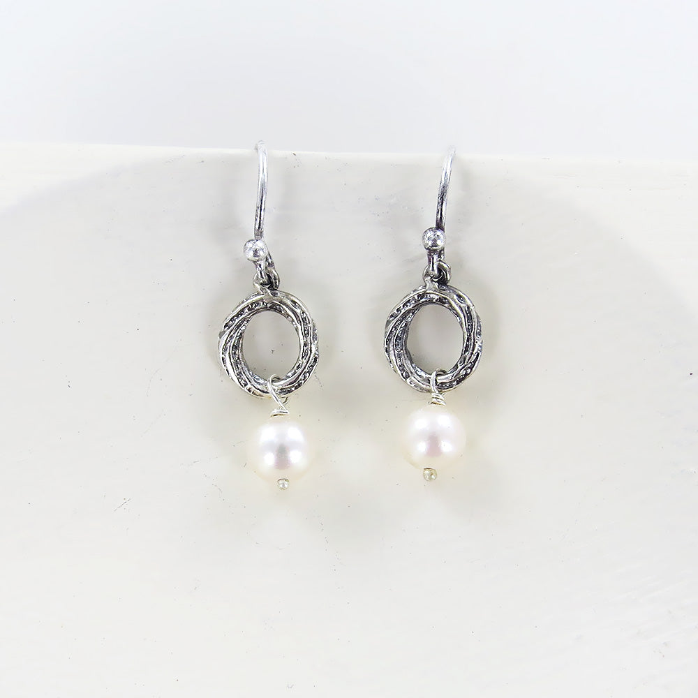 CIRCLE BRANCH PEARL EARRING