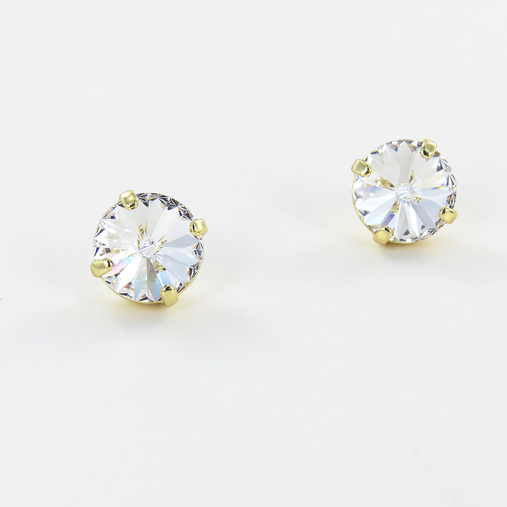 CHIC PRONG CRYSTAL STUD