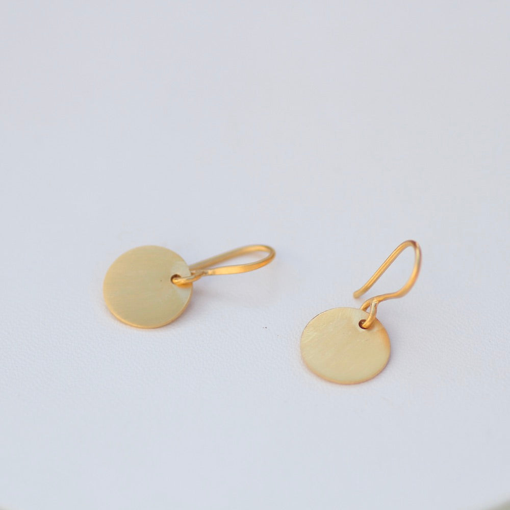 Brushed Disc Drop - Gold Plated